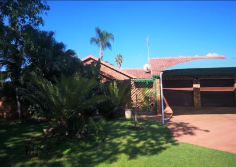 3 Bedroom, 2 Bathroom, 4 Garage, Freehold, Theresa Park, Pretoria, Gauteng